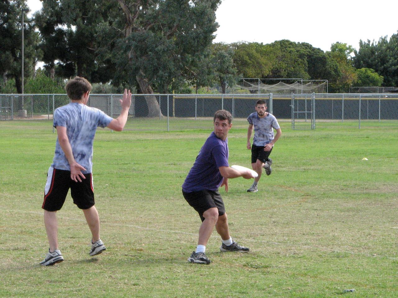 2006 10 13 Fri - Brian Smith about to throw around blocker