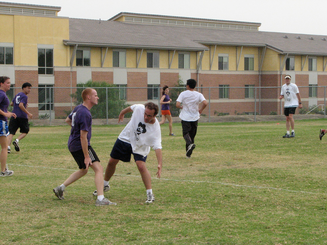 2006 11 03 Fri - Where'd the frisbee go?!?