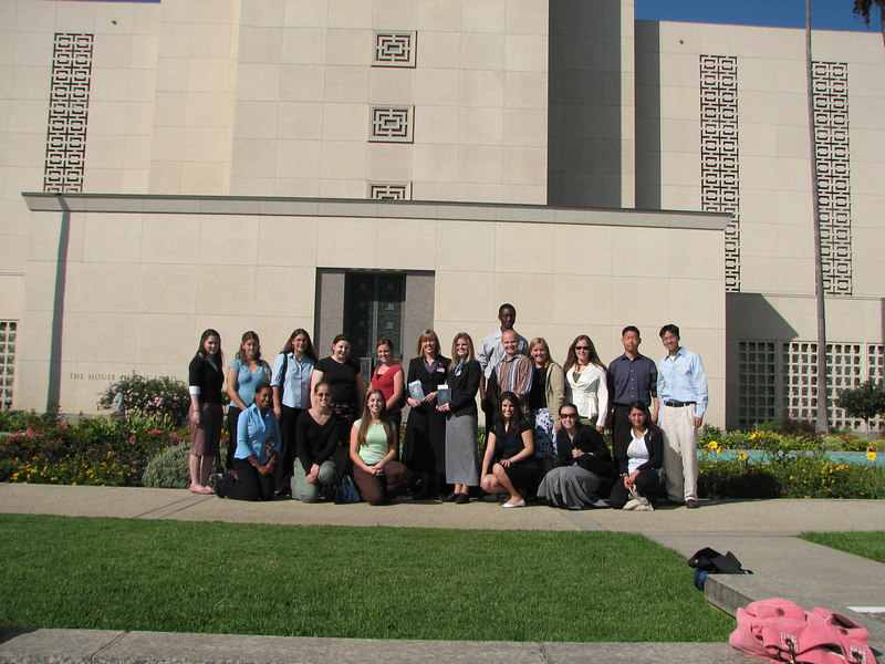 2006 11 18 Sat - Group pic with Sister Missionaries