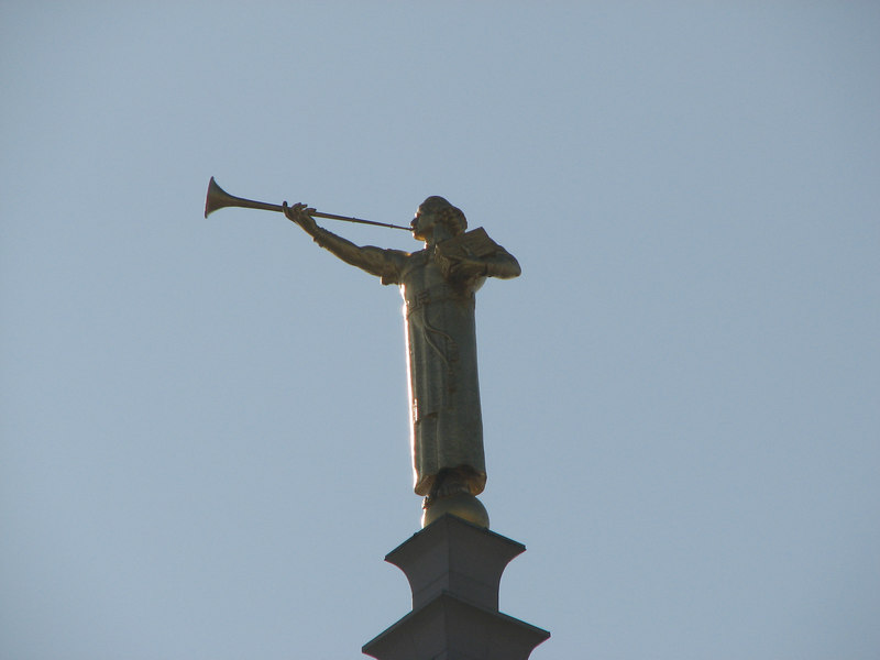 2006 11 18 Sat - 'Angel' Meroni atop the steeple
