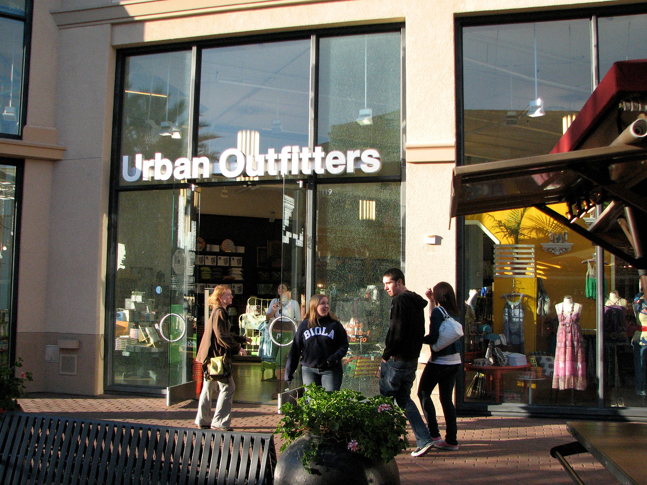 2007 03 02 Fri - Scavenger Hunt - Urban Outfitters
