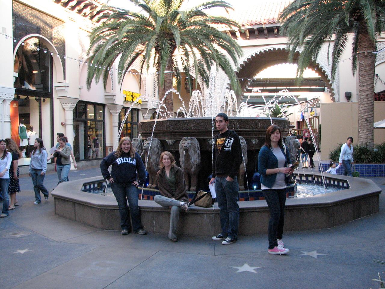 2007 03 02 Fri - Scavenger Hunt - Lions Fountain