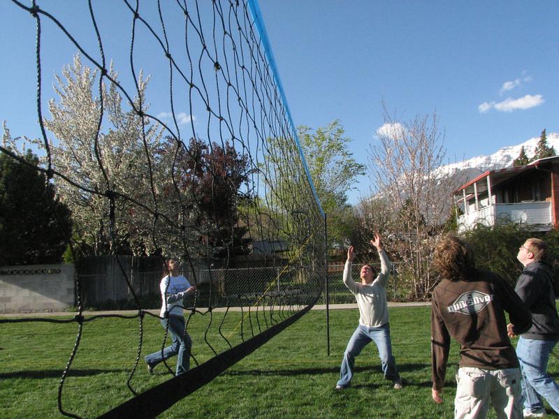 2007 04 13 Fri - Hangout Day @ Christ EV Free - Volleyball 05 - Megan Reese, Justin Barr, Justin De Vesta, & Dean Swedberg