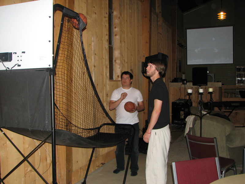 2007 04 10 Tue - Matt Milton & Adam Moon shooting baskets 2 - with flash