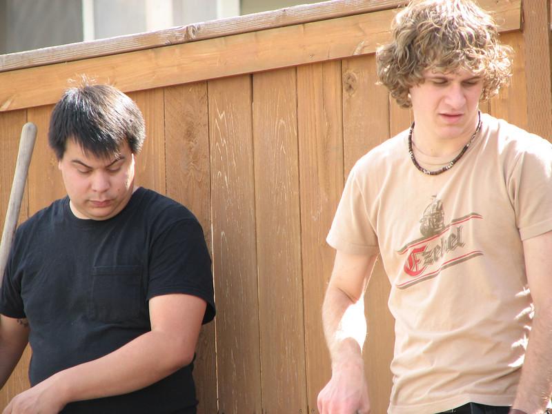2007 04 09 Mon - Coram Deo's Mormon neighbors' service projects 10 - Matt Milton & Justin De Vesta gardening