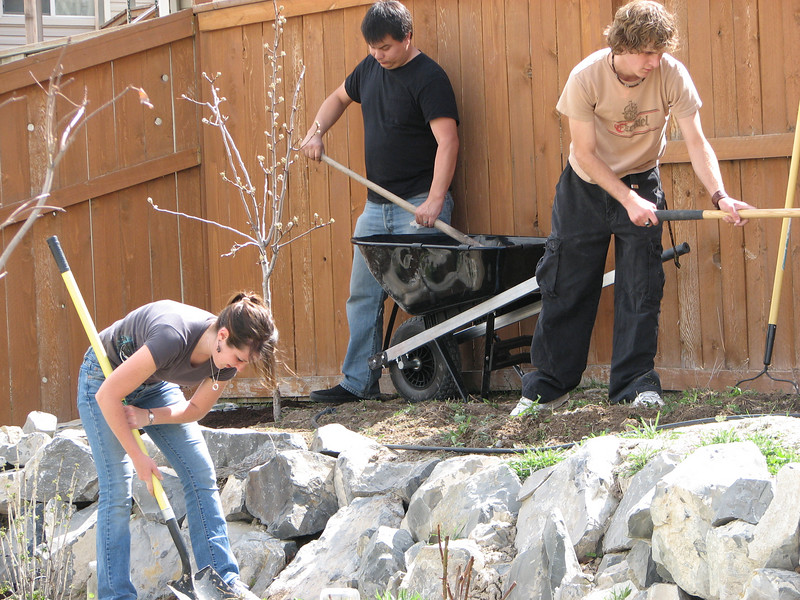2007 04 09 Mon - Coram Deo's Mormon neighbors' service projects 11 - Ashley Clifford, Matt Milton, & Justin De Vesta gardening
