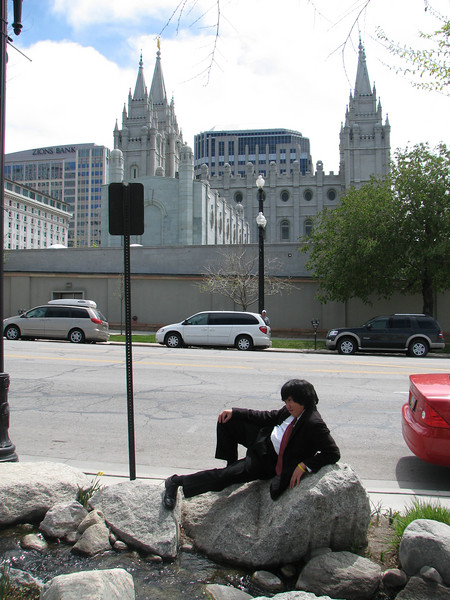 2007 04 11 Wed - Temple Square - The Little Mermaid Chris Yap & the Temple