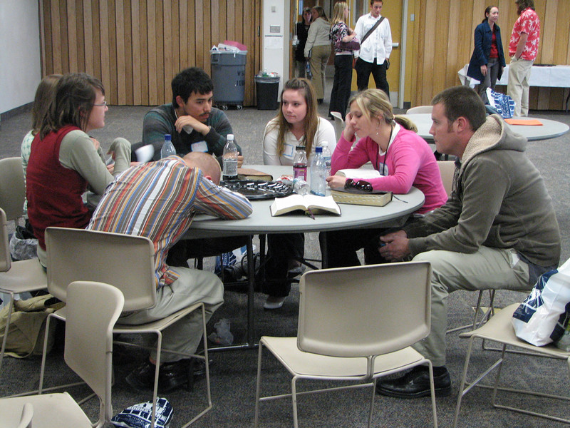 2007 04 10 Tue - BYU Day - Small group student discussions 10 - Kristi Bjorkman, Dan Perez, Theresa Norcia, Emily, & Gordo Hendrickson