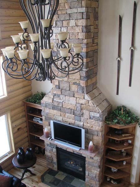 2007 04 14 Sat - Debrief Cabin - Fireplace & decor