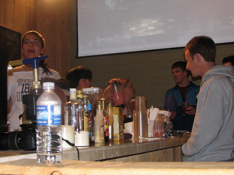 2007 04 13 Fri - Hangout Day @ Christ EV Free - Megan Reese, Chris Yap, Josh Jones, et al around the smoothy bar
