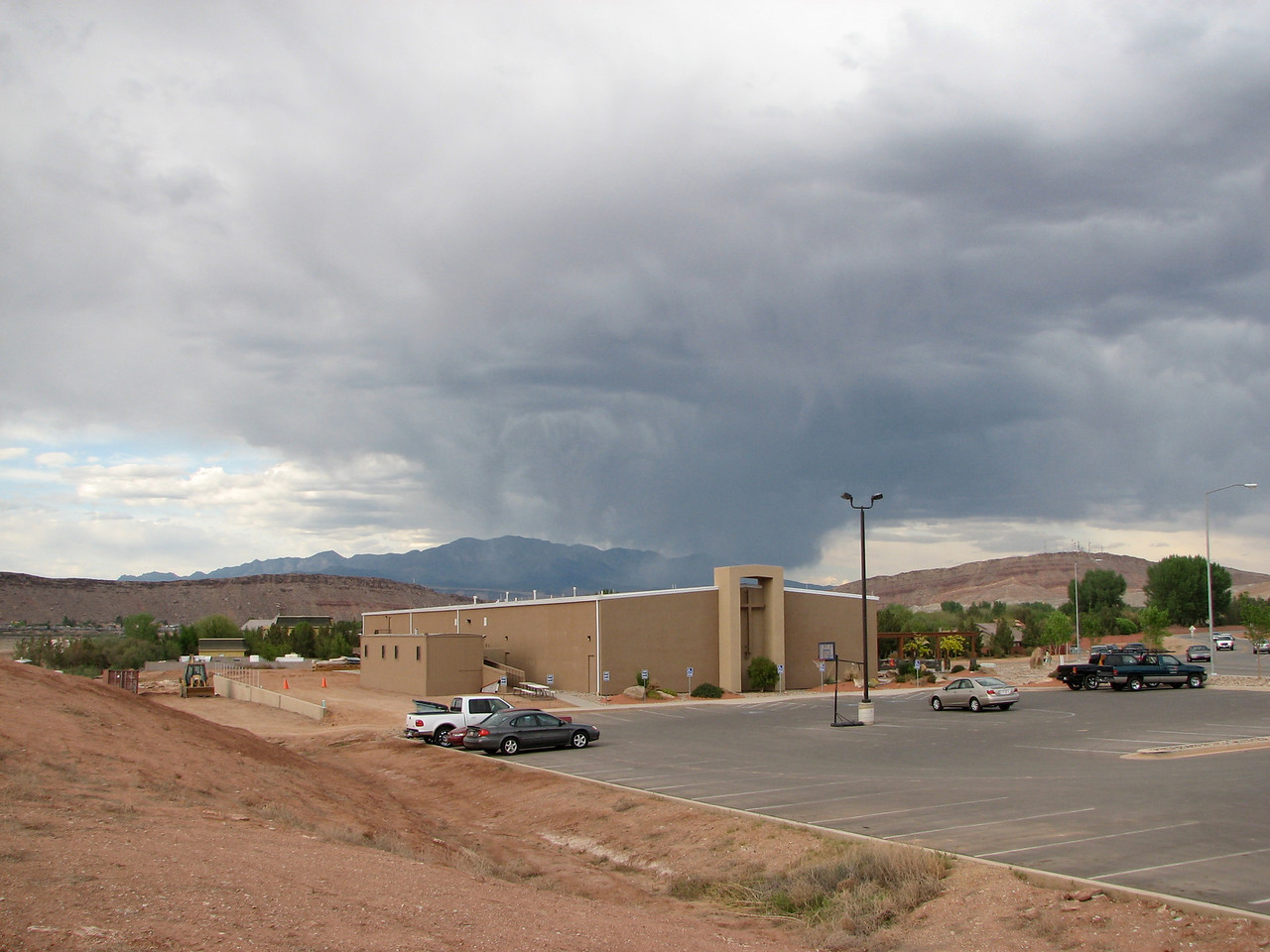 2007 04 06 Fri - Dark rain clouds over Calvary Chapel St  George 1