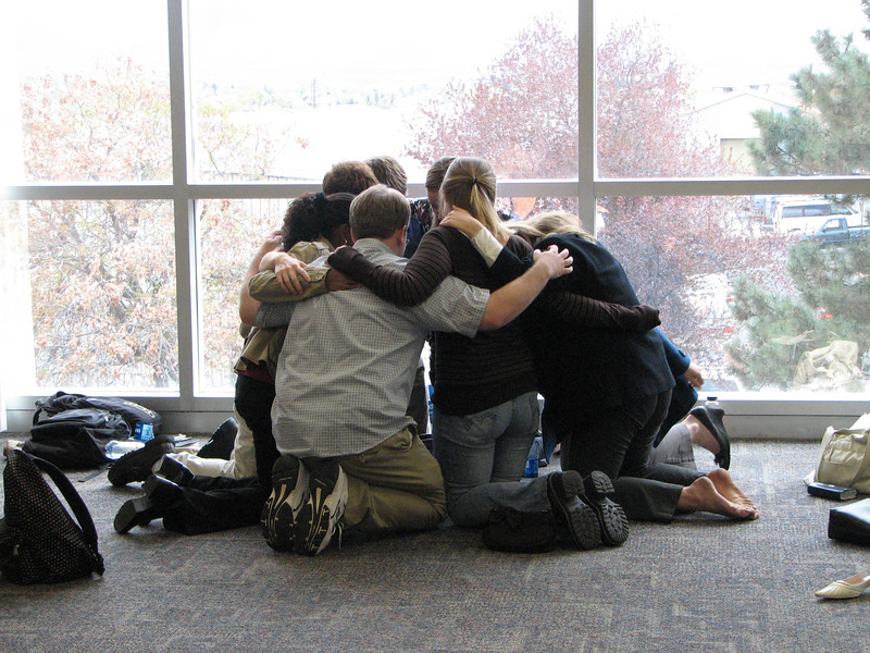 2007 04 10 Tue - BYU Day - Small group student discussions 6 - group hug
