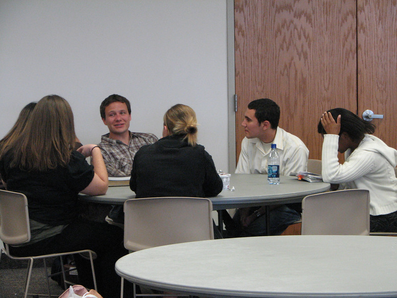 2007 04 10 Tue - BYU Day - Small group student discussions 1