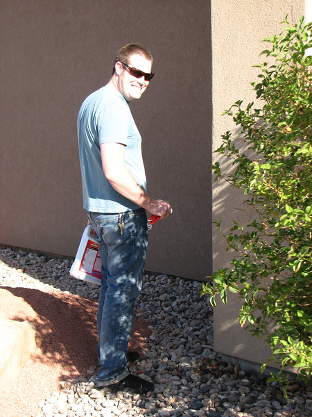 2007 04 07 Sat - Sketch Gordo Hendrickson kills weeds    or is pee'ing