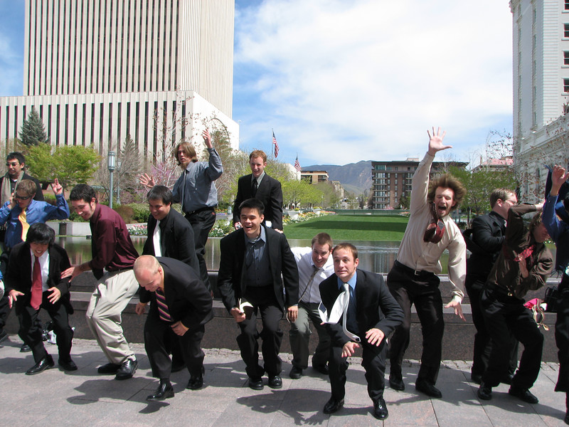 2007 04 11 Wed - Temple Square - The not-so-manly men 2