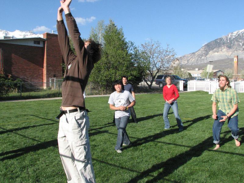 2007 04 13 Fri - Hangout Day @ Christ EV Free - Volleyball 04 - Justin De Vesta, Chris Yap, Matt Milton, Hillary Karwowski, & Brandt Hanslik