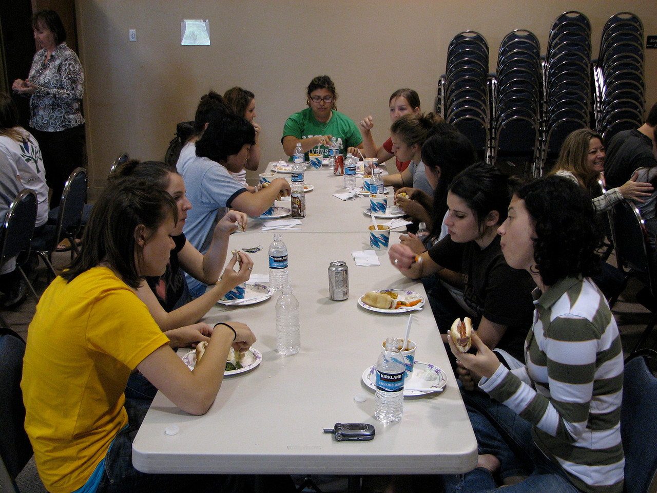 2007 04 06 Fri - Girls table @ Calvary Chapel St  George