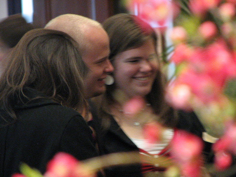 2007 04 11 Wed - Temple Square - Billy Maxfield & Sarah Heywood beyond the flowers