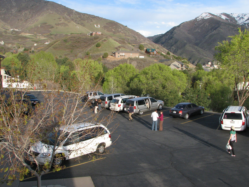 2007 04 12 Thu - Crossroads Christian Fellowship in Ogden, UT - Vans prepp'ing to leave
