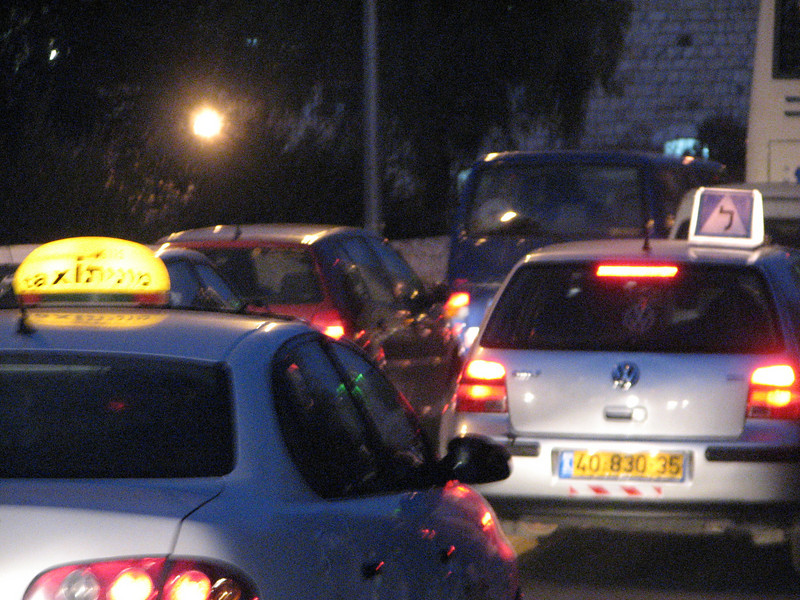 2007 12 30 Sun - Separate Arab & Israeli cabs