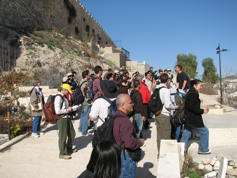 2007 12 29 Sat - Old City walk - Eastern Temple Mount Wall - muslim cemetery against outside of Temple Mt Wall lecture