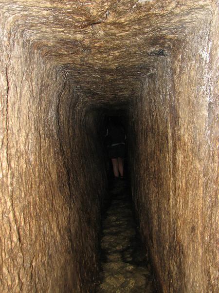 2007 12 30 Sun - Hezekiah's Tunnel 2