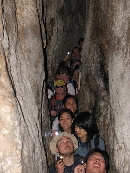 2007 12 30 Sun - Adam Day, Susan Cho, Kelly Kwan, Ken & Debbie Pierce, Lisa Ishikara, Michelle Kim, Polly Wang, Edwin Oak, & Peter Kim in Hezekiah's Tunnel 1