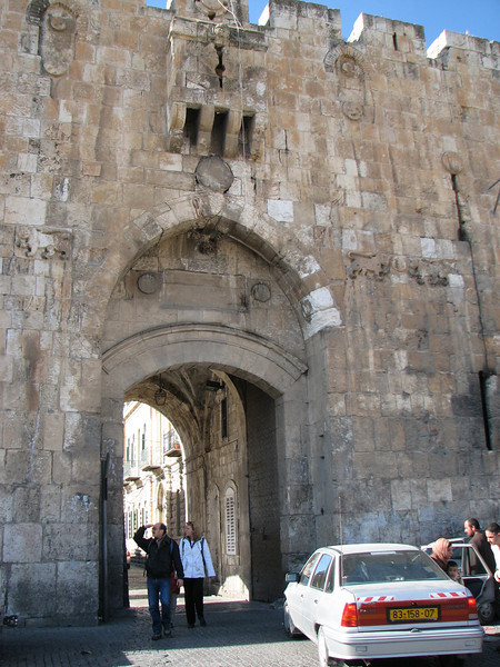 2007 12 29 Sat - Old City walk - Eastern Temple Mount Wall - Damascus Gate where famous stuck tank photo was