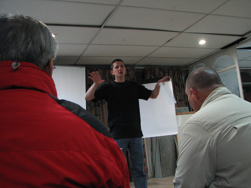 2007 12 28 Fri - Jerusalem - Nate Foreman giving IBEX orientation