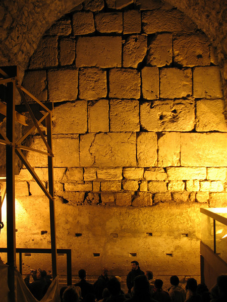 2007 12 31 Mon -  Western Wall excavation tour - 'Bubba' the big Herodian rock