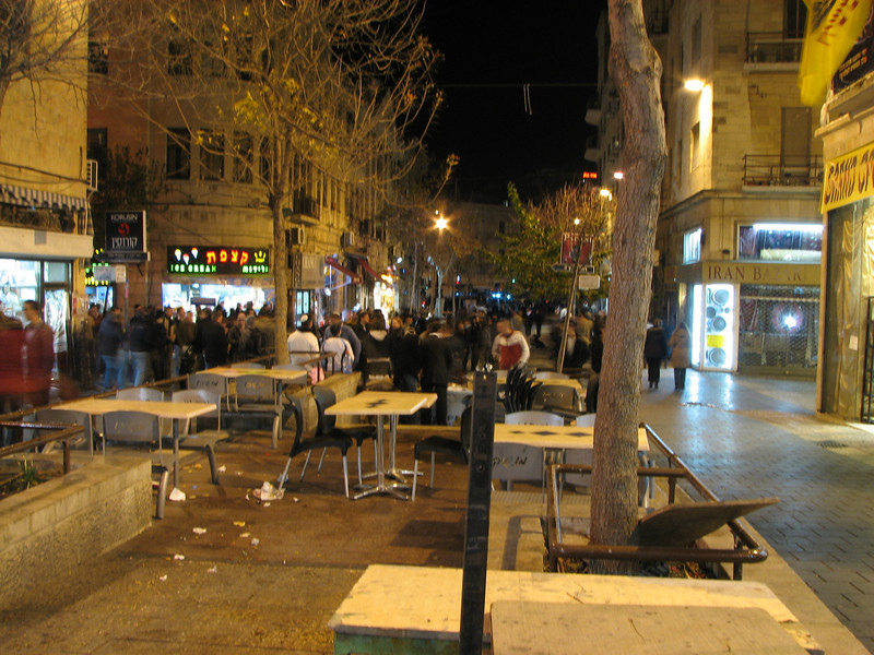 2007 12 29 Sat -  Midnight nightlife of Jerusalem