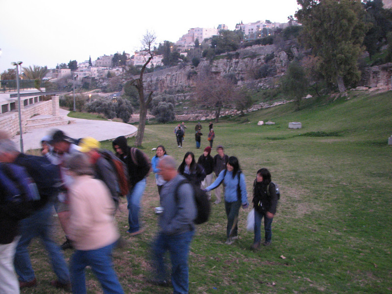 2007 12 30 Sun - Walking through Hinnom Valley, Gehenna, or hell 3