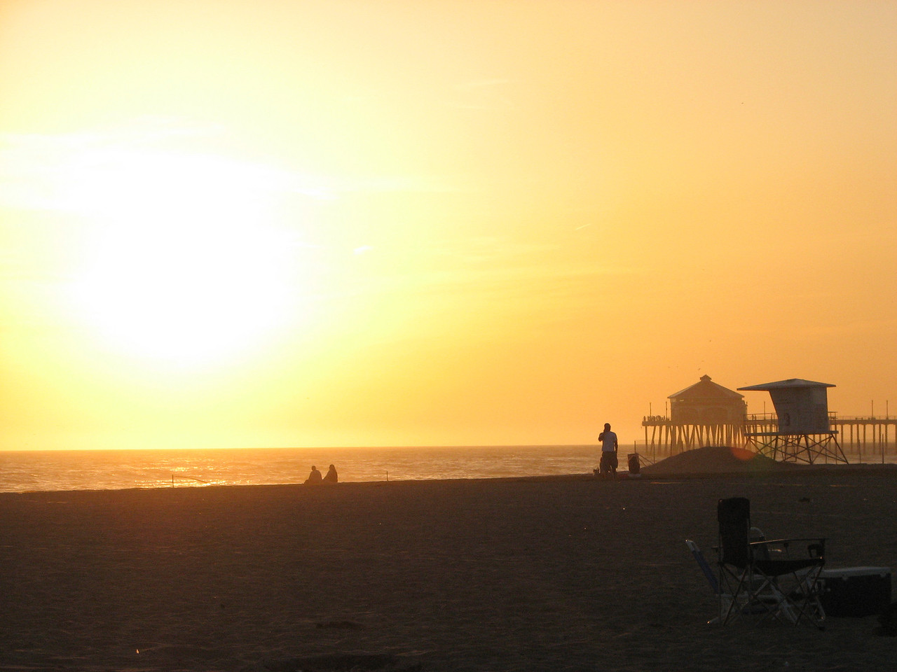 2008 03 24 Mon - Talbot & Int'l students @ the beach - Cali sunset