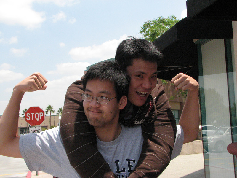 2008 05 27 Tue - James Shin piggy backs on Clarence Chiu