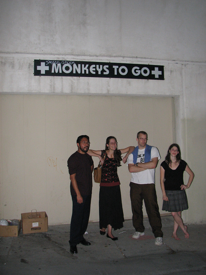 2008 04 28 Mon - Candid monkeys to go - Isai Garcia, Laura Hannesson, Caleb Campbell, & Roni Hendren