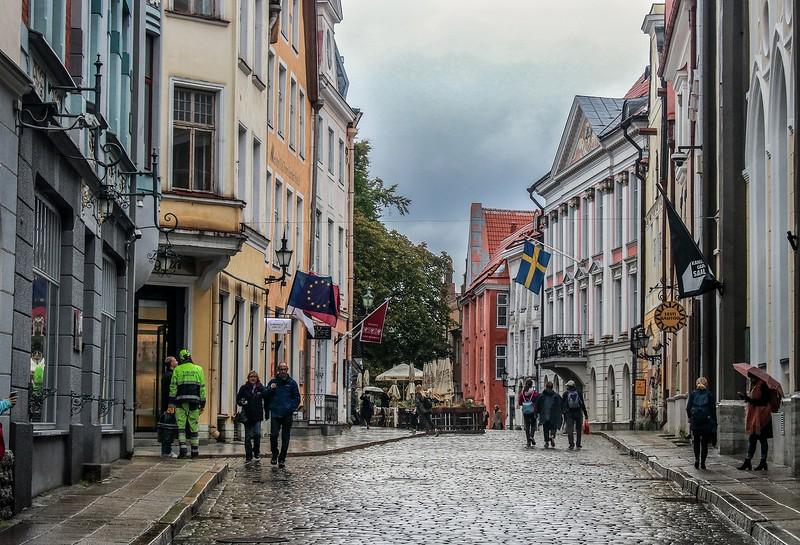 ZaBaltic T7i 2018 813B, SMALL, Tallinn cobblestone street (1 of 1)