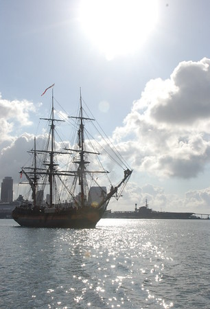 10 November 2007 HMS Surprise Sails With Star of India