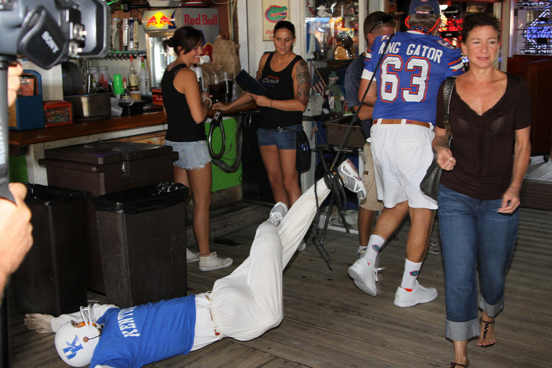 "Gators Vs Kentucky at Gators on the Pass...September 26, 2009  <a href=""http://www.24sevenmagazine.com/St-Petersburg/Gators/Gators-Vs-Kent-Sept-26-2009/9932814_BHn3r/1/677631403_Fs8Ho"" target=_blank>click here to see the full album...</a>  <a href=""http://www.24sevenmagazine.com/St-Petersburg/Gators/Gators-Sept-26-2009-Save/10531385_V4GLp/1/731433375_cRh5e"" target=_blank>click here for savable pics...</a>"