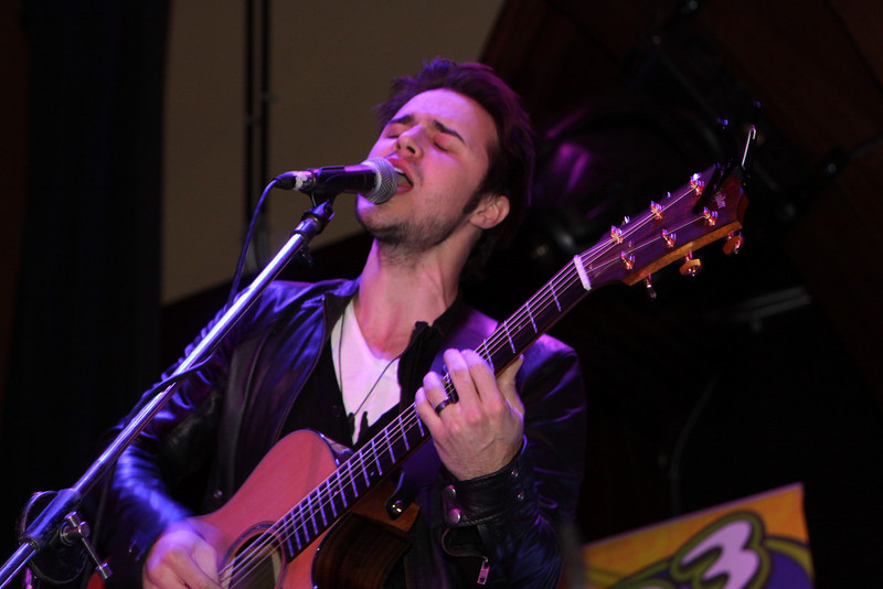 """Meet Ball with Guest singer American Idol winner Kris Allen at the Venue... February 13, 2010  <a href=""""http://www.24sevenmagazine.com/St-Petersburg/The-Venue/Venue-Feb-13-2010/11235069_cRJAC#787951749_SssS6"""" target=_blank>click here to see the full album...</a>  <a href=""""http://www.24sevenmagazine.com/St-Petersburg/The-Venue/Venue-Feb-13-2010-save/11235232_NSPvB#787969123_YMH5e"""" target=_blank>click here for savable pics...</a>"""