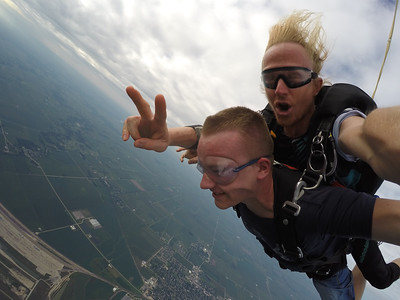 brandon bush tandem skydiving