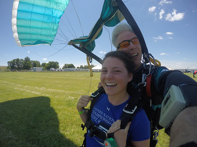 Ellia Leger tandem skydiving