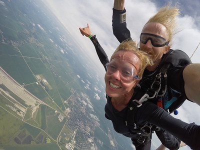 Sandy Vollstedt tandem skydiving