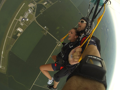 Alexis Southland tandem skydiving