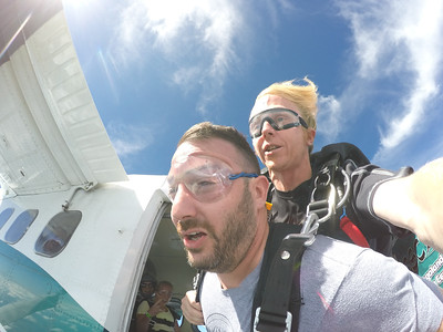 anthony tanagretta tandem skydiving