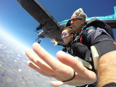 Stephanie O'dell tandem skydiving