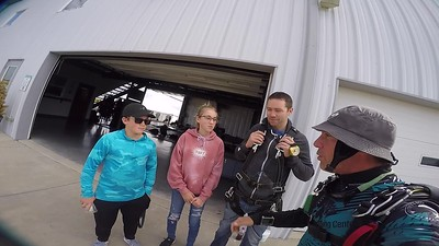 1200 Chad Hoing Skydive at Chicagoland Skydiving Center 20171001 Brad Brad