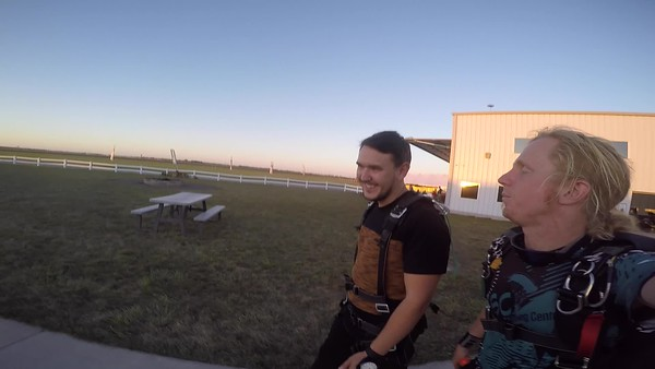 1842 Oleg Arifov Skydive at Chicagoland Skydiving Center 20171008 Klash Klash