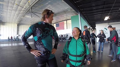 1114 Alisa Shaw Skydive at Chicagoland Skydiving Center 20171018 Eric Amy