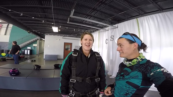 1443 Melony Twork Skydive at Chicagoland Skydiving Center 20170401 Jo