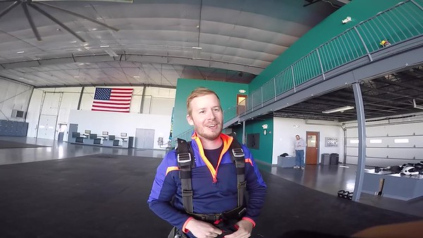 1544 Aaron Bowen Skydive at Chicagoland Skydiving Center 20170422 Klash